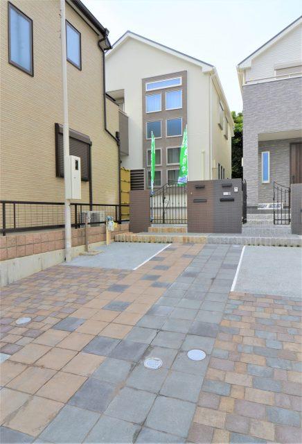 プレミアム霞ヶ丘 D号地モデルハウスの外構が完成!